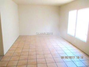 218 Earl Living Room